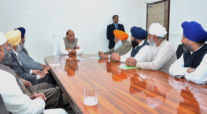 A delegation of the Members of Parliament and other leaders from Punjab meeting the Union Home Minister, Shri Rajnath Singh, in New Delhi on February 04, 2016.