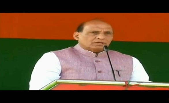 HM Shri Rajnath Singh addressing public meeting in Banduan (West Bengal) on 31-03-2016.