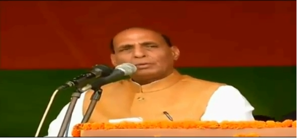 HM Shri Rajnath Singh addressing public meeting in Duliajan (Assam) on 30.03.2016.