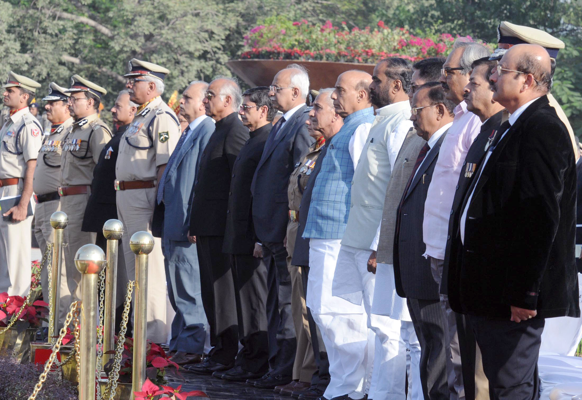 The Union Home Minister, Shri Rajnath Singh, the Minister of State for Home Affairs, Shri Hansraj Gangaram Ahir, the Minister of State for Home Affairs, Shri Kiren Rijiju and other dignitaries, at the Police Commemoration Day Parade, in New Delhi on October 21, 2016.