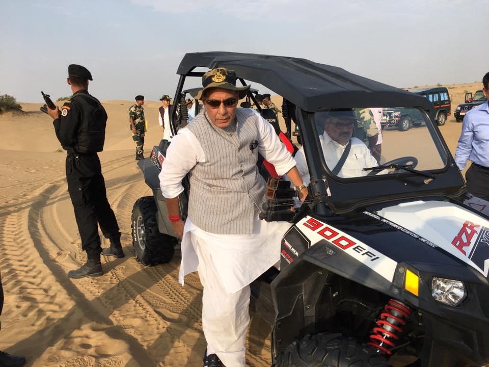 shri-rajnath-singh-visits-bop-in-rajasthan-2