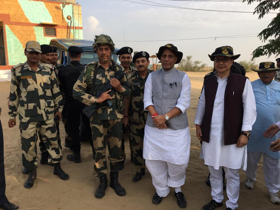 shri-rajnath-singh-visits-bop-in-rajasthan-3