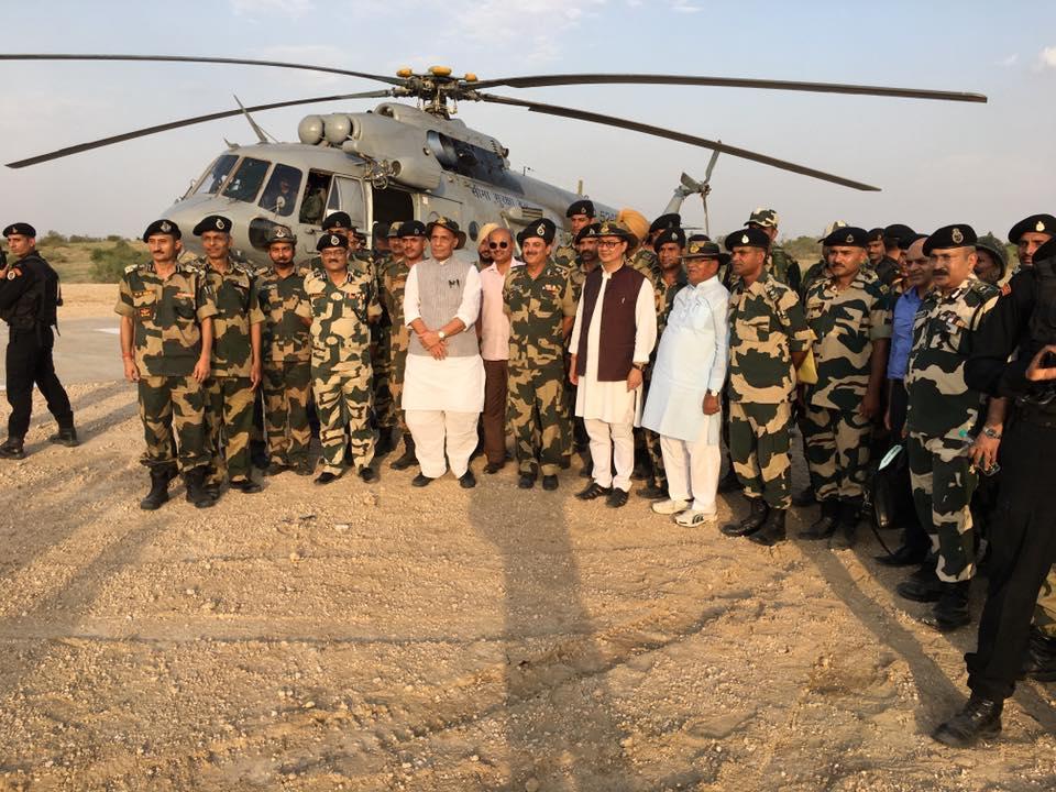shri-rajnath-singh-visits-bop-in-rajasthan-5