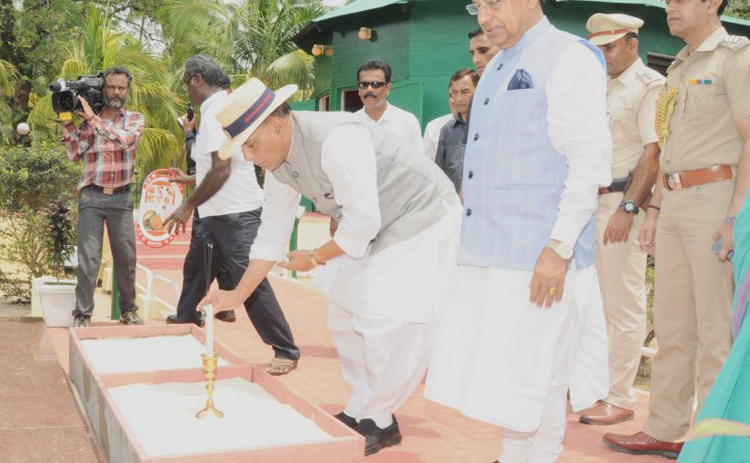 Home Minister Shri Rajnath Singh lays foundation stone for 2 Solar Power Plants in South Andaman