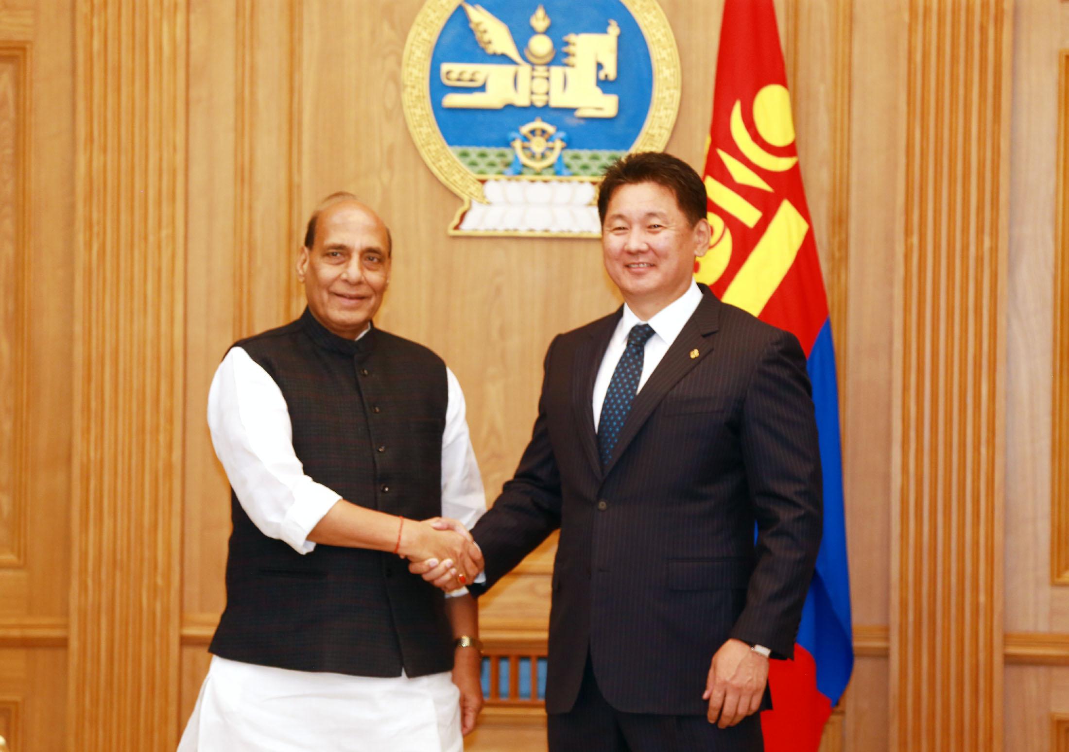 Shri Rajnath Singh with the Prime Minister of Mongolia, Mr. Ukhnaagin Khurelsukh before holding bilateral talks, in Ulaanbaatar on June 22, 2018.