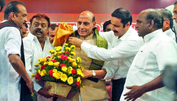 BJP-sews-up-six-party-alliance