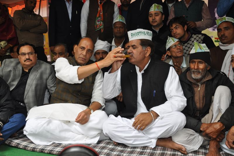 Kissan-Sangharsh-Samiti-leader-Shri-Manveer-Tevatia-was-sitting-on-a-hunger-strike-6