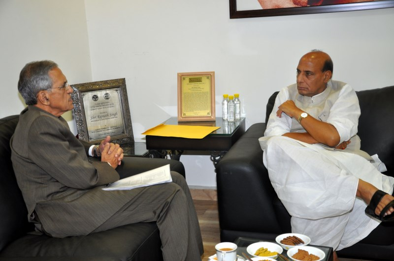 Meeting-with-UP-Governor-Shri-BL-Joshi-2
