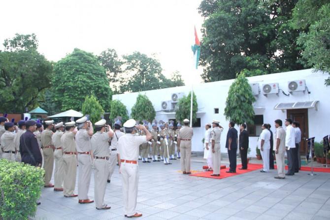 Shri Rajnath Singh hoisting the National Flag 1