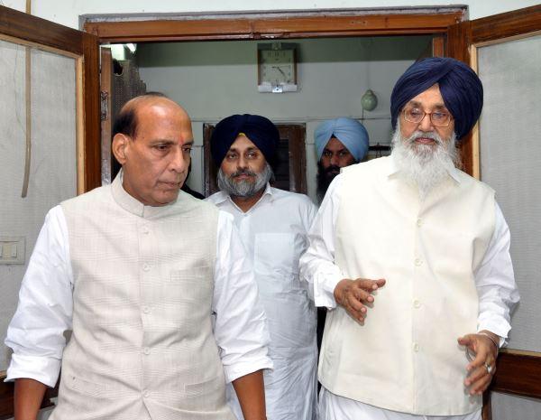 meeting-with-Prakash-singh-Badal-and-Sukhbir-Singh-Badal-2