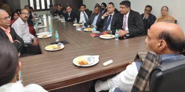 निवेशक व अर्थशास्त्रियों ने की भाजपा अध्यक्ष से मुलाकात