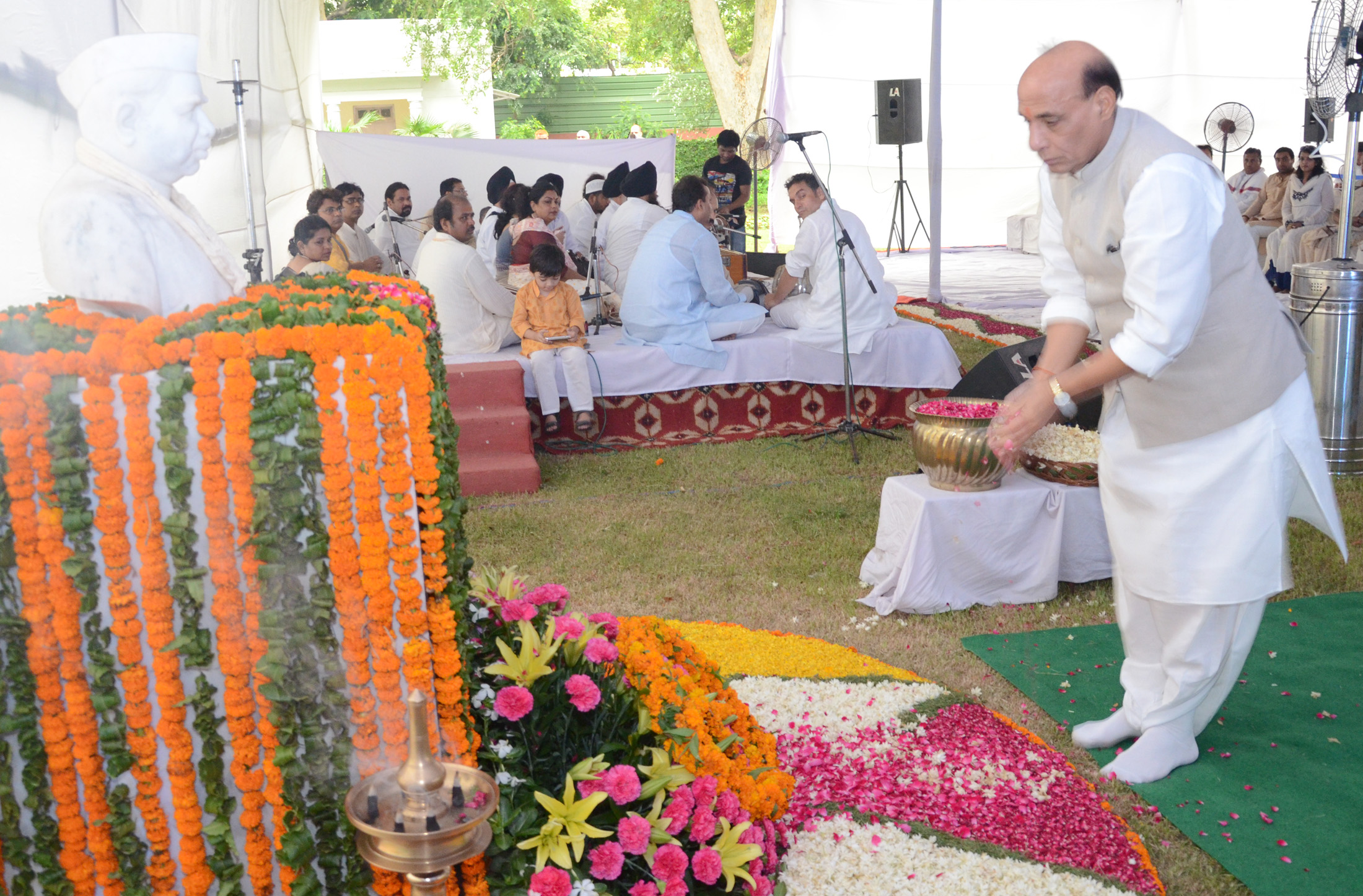 The Union Home Minister, Shri Rajnath Singh paying floral tributes to Babu Jagjivan Ram on his 29th death anniversary, in New Delhi on July 06, 2015.
