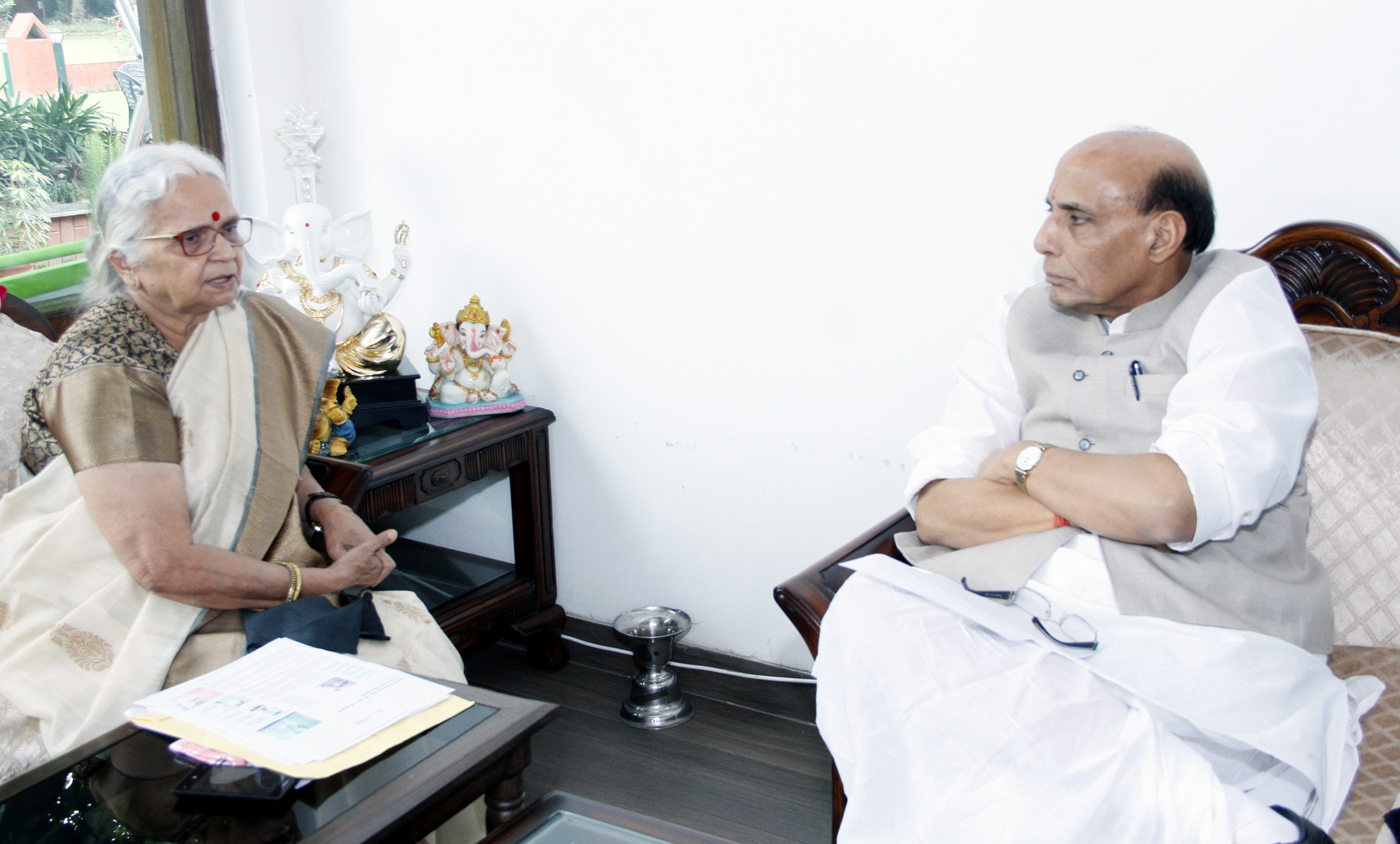 The Governor of Goa, Smt. Mridula Sinha calling on the Union Home Minister, Shri Rajnath Singh, in New Delhi on August 01, 2015.