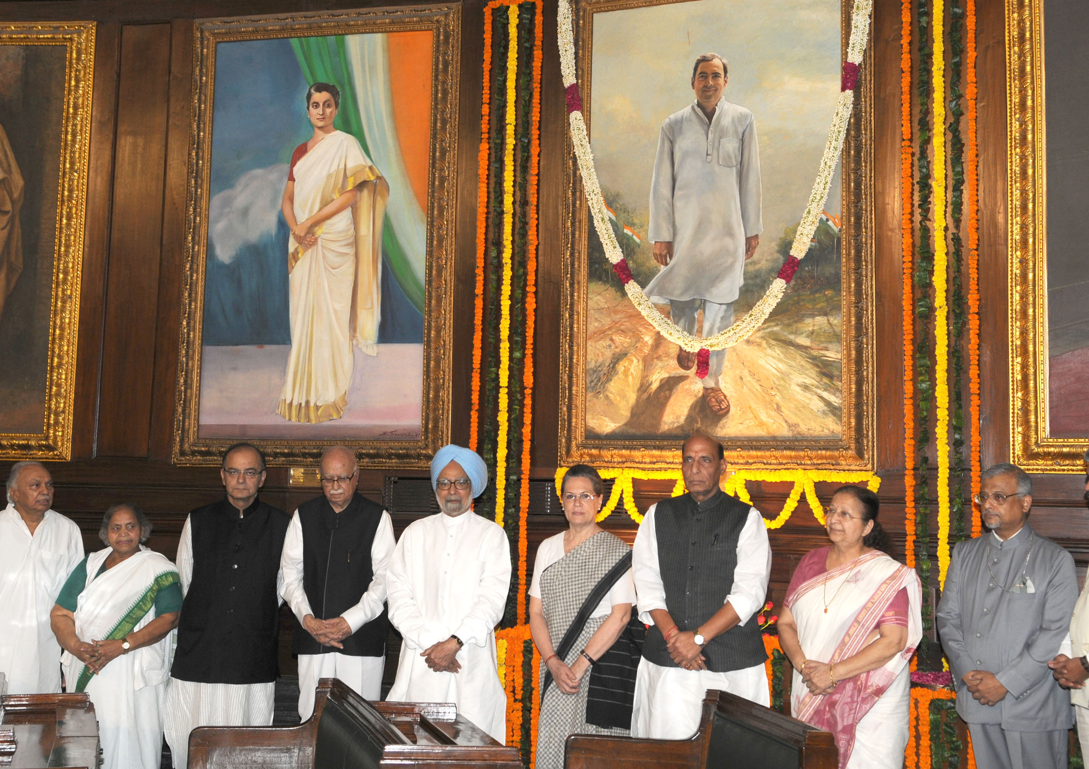 The Speaker, Lok Sabha, Smt. Sumitra Mahajan, the Union Home Minister, Shri Rajnath Singh, the Union Minister for Finance, Corporate Affairs and Information & Broadcasting, Shri Arun Jaitley and other dignitaries paid homage to the former Prime Minister, late Shri Rajiv Gandhi, on his 71st birth anniversary, at Parliament House, in New Delhi on August 20, 2015.