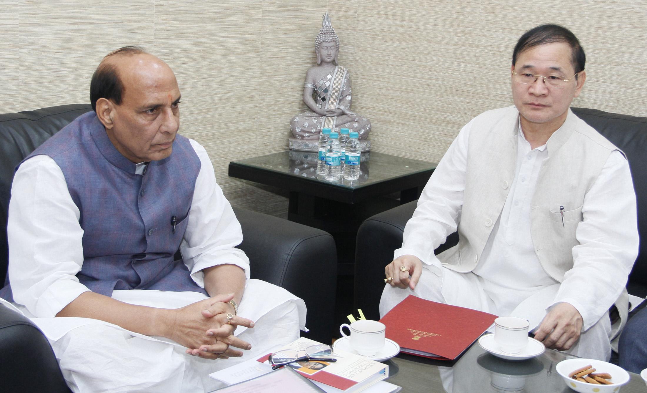 The Chief Minister of Arunachal Pradesh, Shri Nabam Tuki calling on the Union Home Minister, Shri Rajnath Singh, in New Delhi on September 06, 2015.