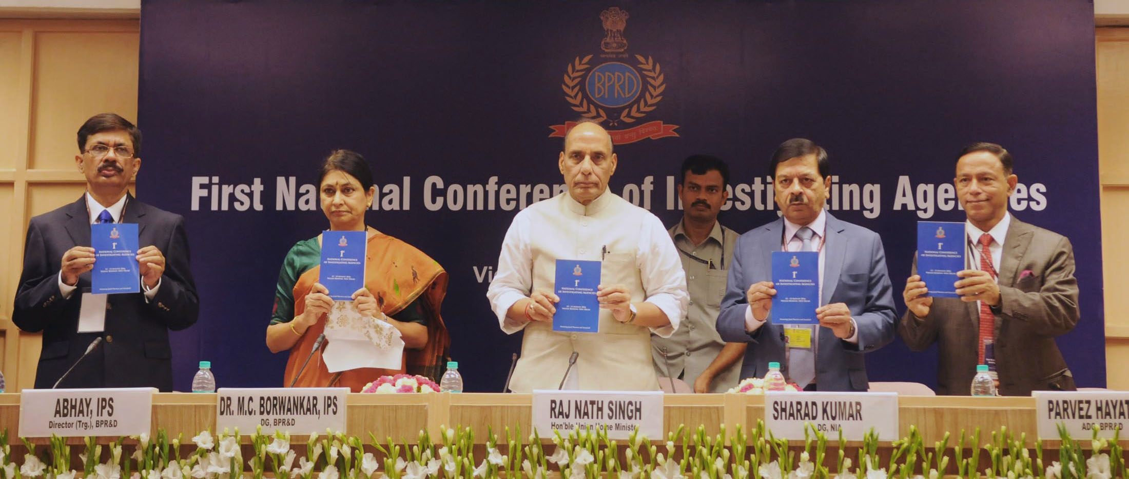 The Union Home Minister, Shri Rajnath Singh releasing a brochure, at the inaugural ceremony of the 1st National Conference of Investigating Agencies, in New Delhi on August 12, 2016. The DG, NIA, Shri Sharad Kumar, the DG, Bureau of Police Research and Development (BPR&D), Dr. M.C. Borwankar and other dignitaries are also seen.