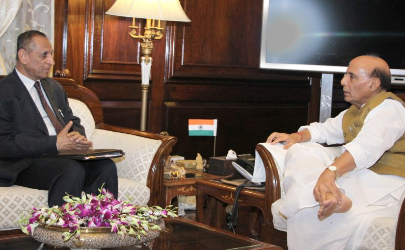 The Governor of Andhra Pradesh and Telangana, Shri E.S.L. Narasimhan calling on the Union Home Minister, Shri Rajnath Singh, in New Delhi on May 18, 2017.