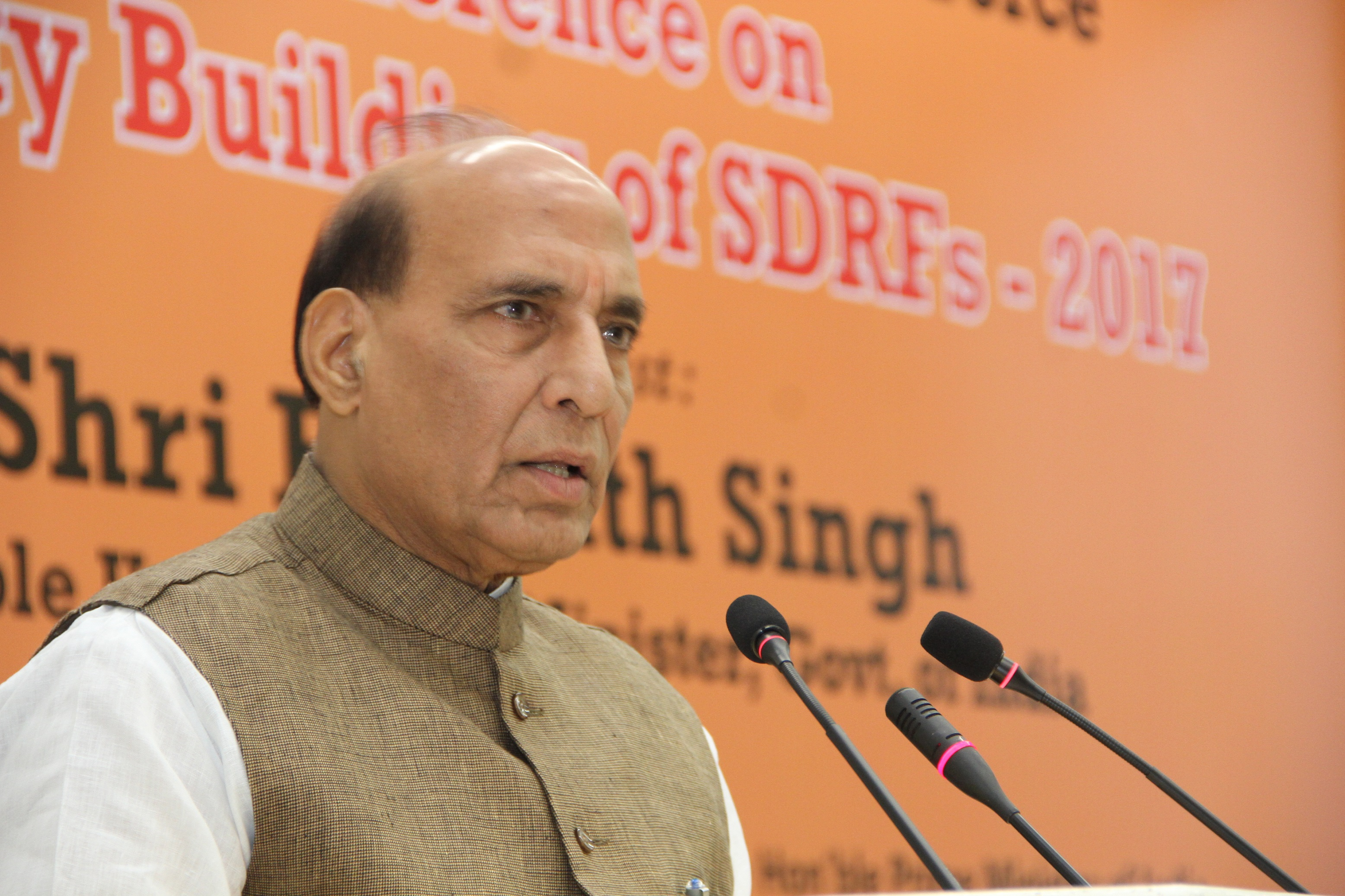 """Shri Rajnath Singh addressing at the inauguration of the National Level Conference on """"Capacity Building of SDRFs-2017"""", organised by the NDRF"""