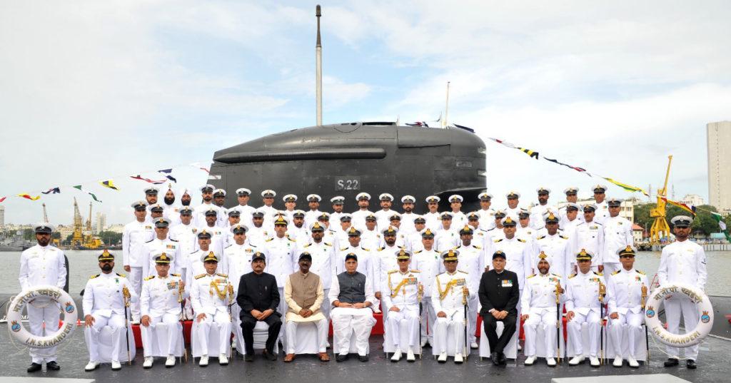 रक्षा मंत्री श्री राजनाथ सिंह ने स्वदेश निर्मित पनडुब्बी आईएनएस खंडेरी को नौसेना में कमीशन प्रदान किया