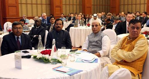 रक्षा मंत्री श्री राजनाथ सिंह ने रक्षा प्रदर्शनी 2020 पर राजदूतों की गोलमेज बैठक की अध्येक्षता की