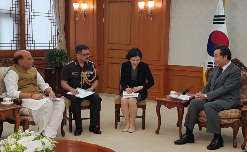 रक्षा मंत्री दो देशों की अपनी यात्रा के दूसरे चरण में दक्षिण कोरिया पहुंचे