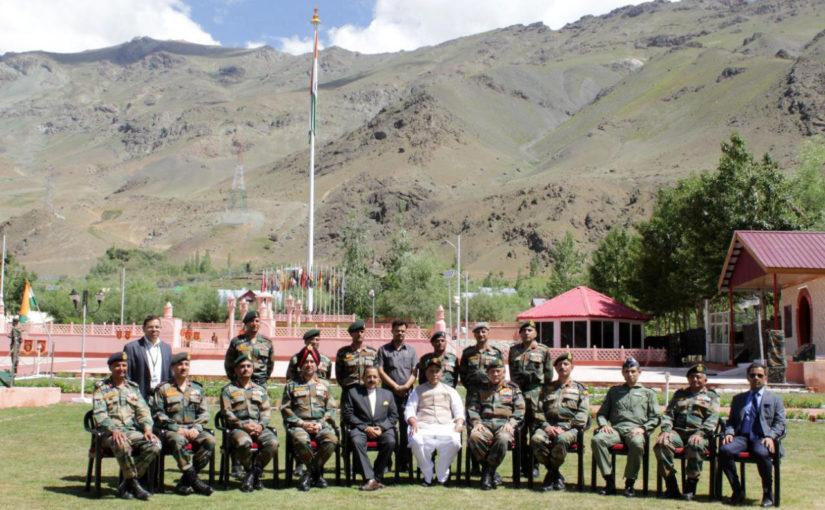 रक्षा मंत्री श्री राजनाथ सिंह ने सेना मुख्यालय को पुनर्गठित करने के निर्णय को मंजूरी दी