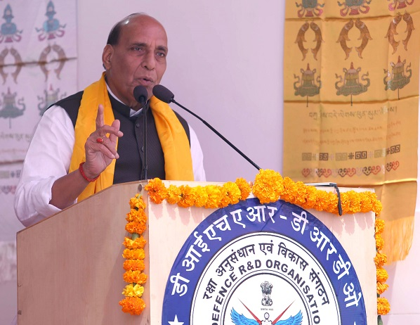 Defence Minister Shri Rajnath Singh lauds Army, locals for organic farming