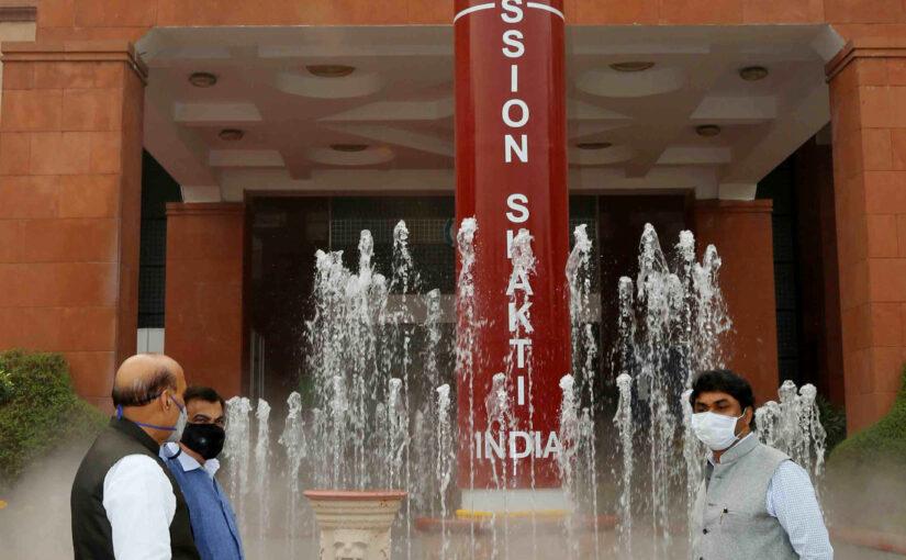 रक्षा मंत्री श्री राजनाथ सिंह ने डीआरडीओ भवन में ए-सैट मिसाइल मॉडल का अनावरण किया